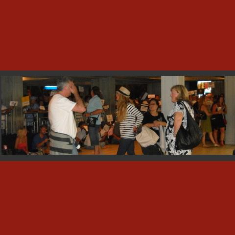 bali_airport_wait