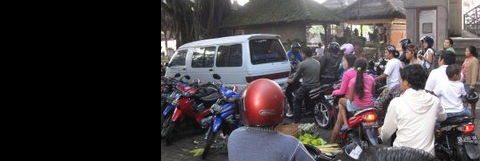 Ubud parking and traffic problems.